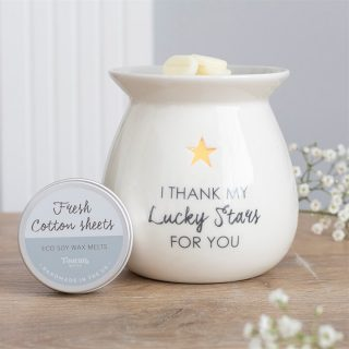 This white ceramic oil burner with fresh cotton fragrance wax melts gift set 'I thank my lucky stars for you' is a beautiful home fragrance gift set, make a sweet gift. Shop online: link to our website on bio or tap on image to shop Wax Melt Burner Gift Set: KES 3300 Free delivery on all orders above KES 5000 . . #aromatherapy #candles #home #homedecor #love #oilburner #smallbusiness #supportsmallbusiness #wax #waxburner #waxmelt #waxmeltaddict  #giftskenya #fragrance #kenyagifts #shop #westlands #love #thankyou